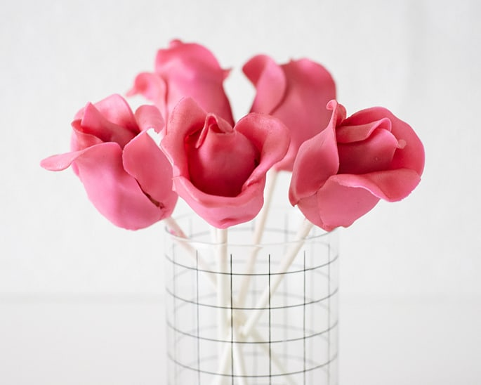 Simple Rose Cake Pops